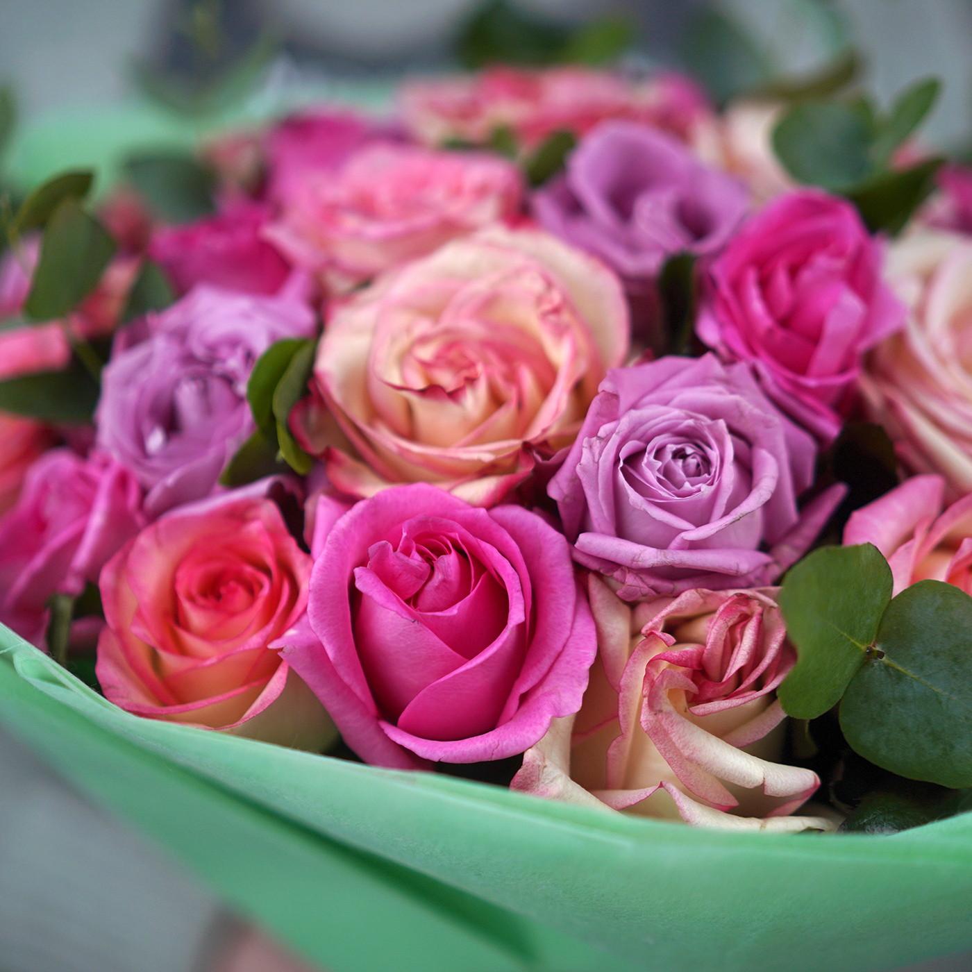 Букет из 31 розы «Бабл-гам»