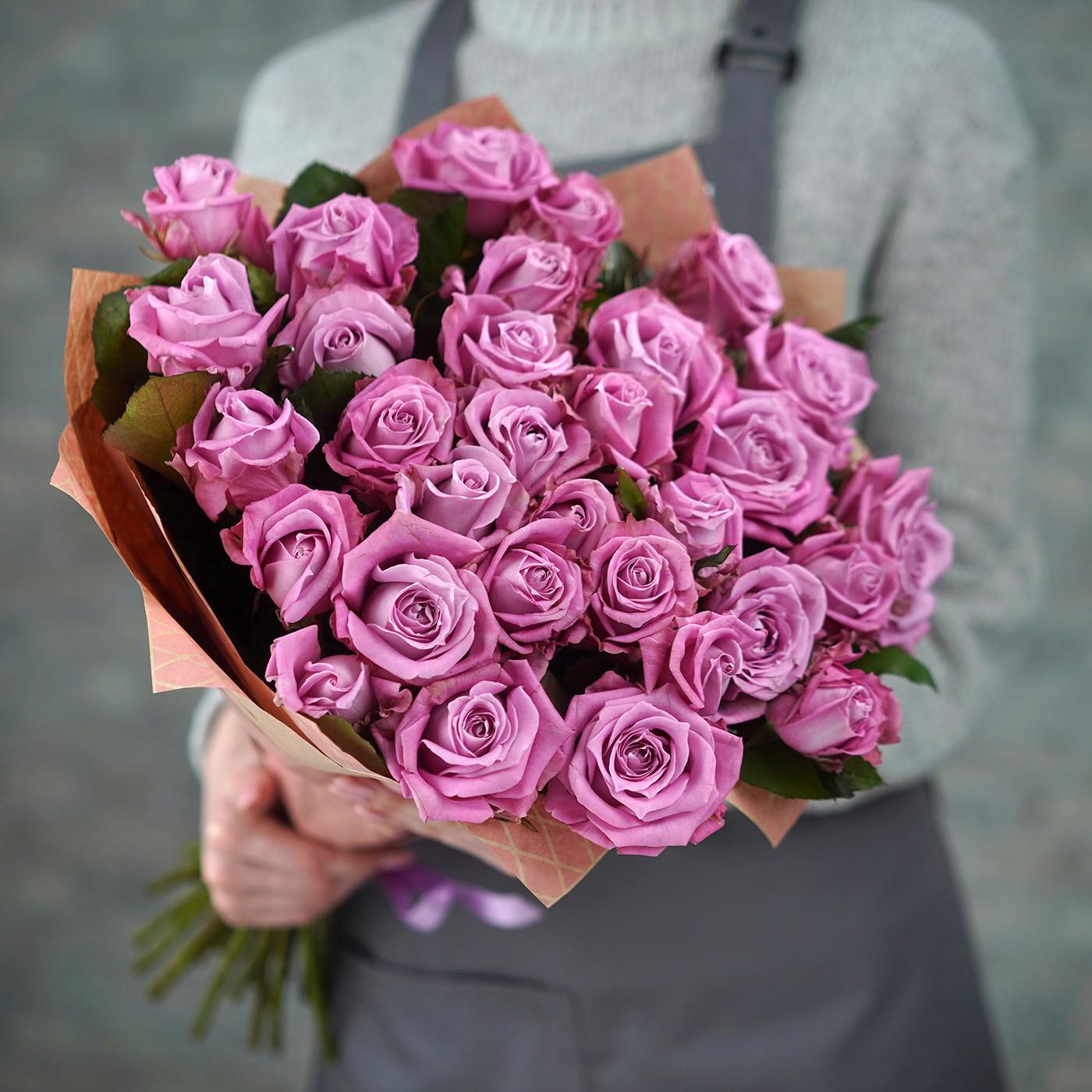 Букет из 31 розы «Маджента»