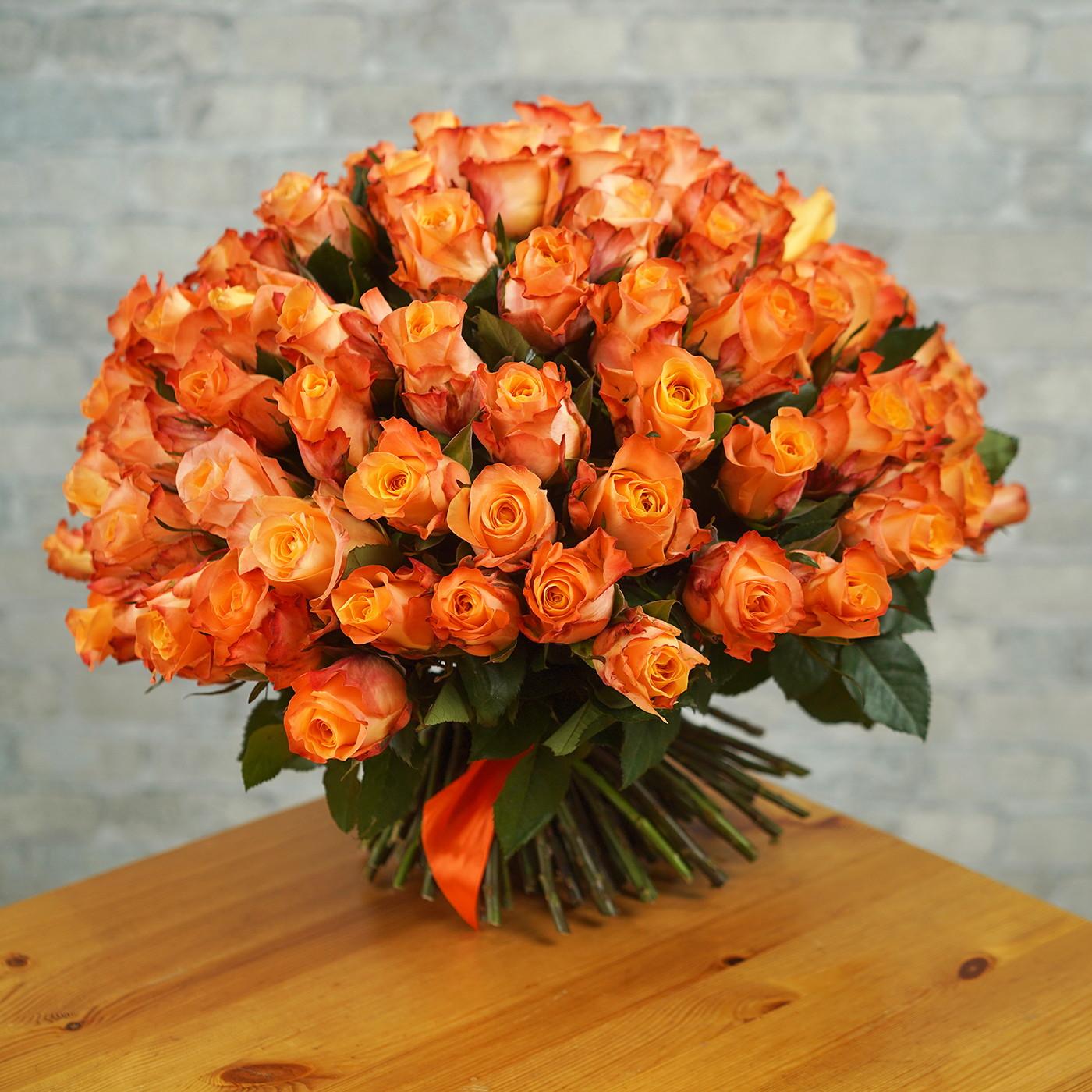 Букет из 101 оранжевой розы «Мэджик»