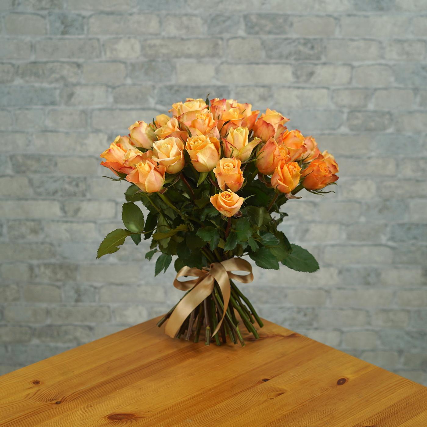 Букет из 35 янтарных роз «Рассвет»