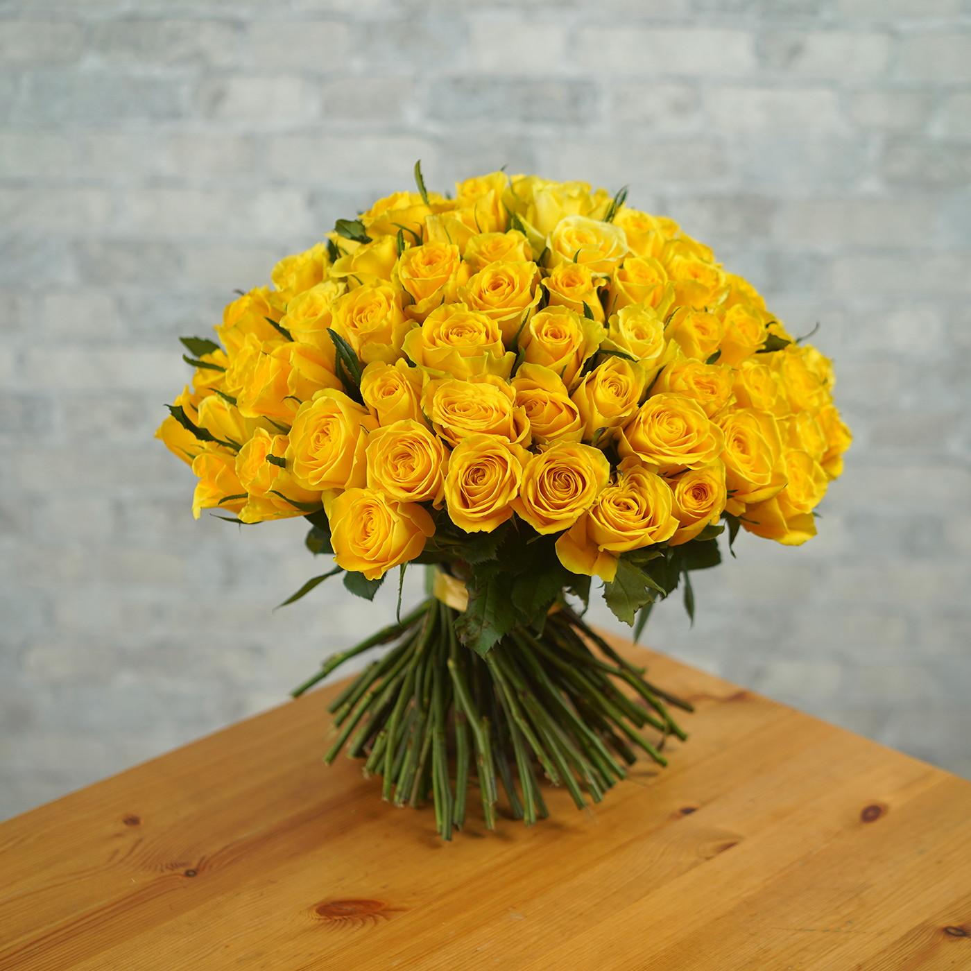 Букет из 101 желтой розы «Звездная Пыль»