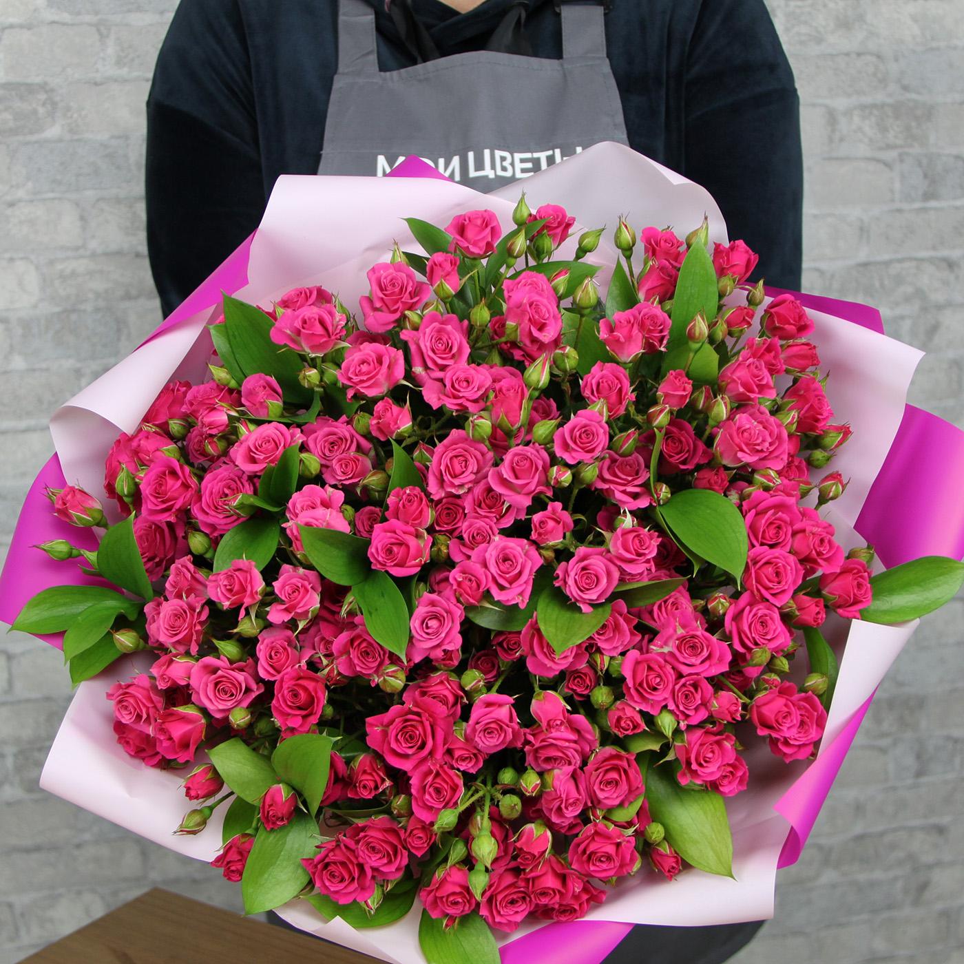 Букет из 31 кустовой розы «Подружка»