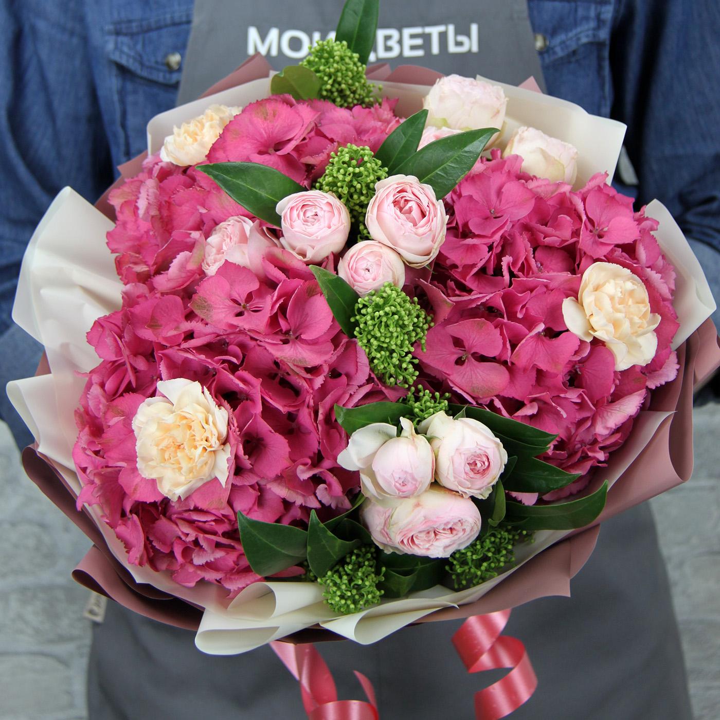 Букет с гортензией и розой «Лесная сказка»